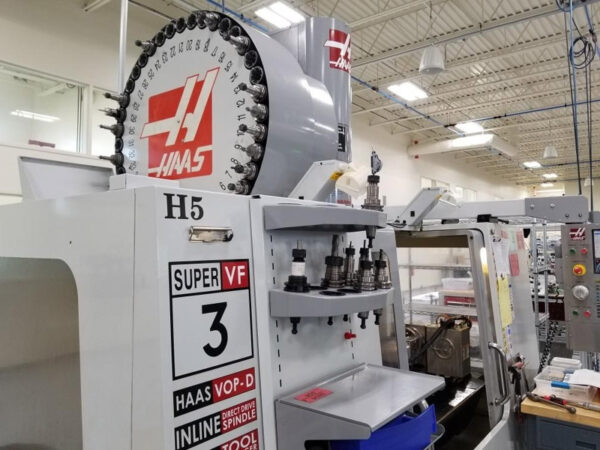 Haas VF-3SS with Rotary Table - 2008 1