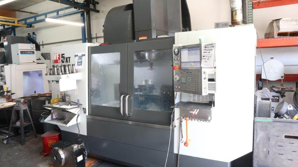 Haas VF5XT/50 Used CNC Mill for sale