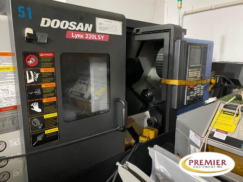 DOOSAN LYNX 220LSYC CNC MULTI-TASKING CENTER